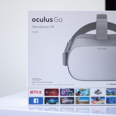 Oculus Go Front of box on white desk.