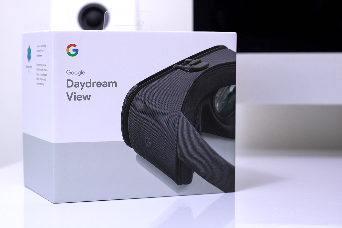 Google Daydream View Front of Box